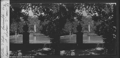 [Tivoli] Villa d'Este. Ensemble des bassins et Château d'eau