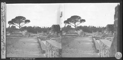 [Tivoli] Villa Hadriana. Péristyle du Palais Impérial