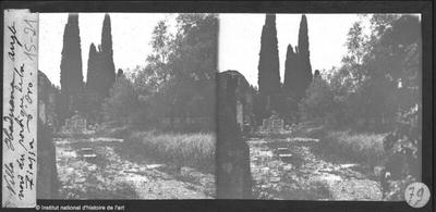 [Tivoli] Villa Hadriana. Angle nord du portique de la Piazza d'Oro