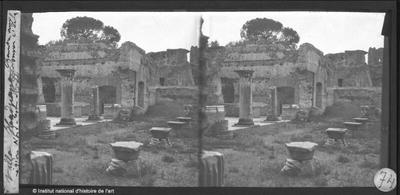 [Tivoli] Villa Hadriana. Chambre aux colonnes C' de la région nord-est