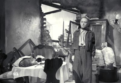 Standfotó az Egy asszony elindul című filmből - Film still of Egy asszony elindul feature film