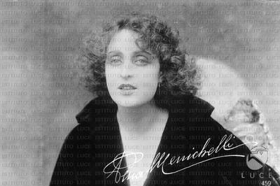 L'attrice Pina Menichelli in un medio primo piano
