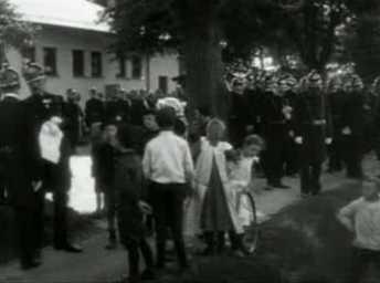 Kong Frederik VIII's første Kongerevue