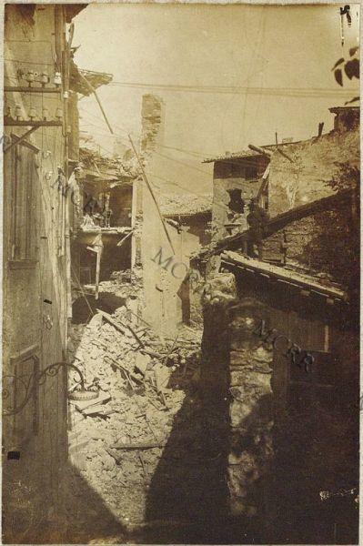 Demolizioni. Piazza Marocco. (Demolizione di case pericolanti ed ingente sgombero di macerie).