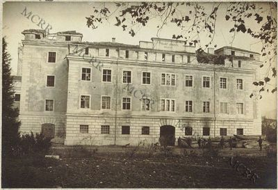 Caserma Rocca. Esterno verso lago al 3 novembre 1918.