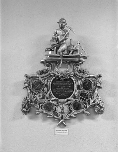 Heraldische Dekoration der Zunftgesellschaft zum Affen