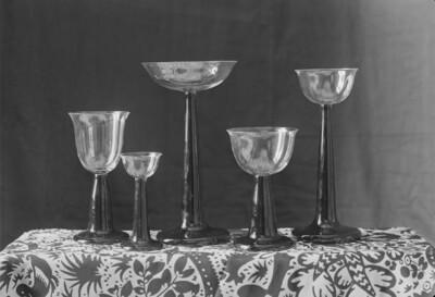 Fünf Gläser