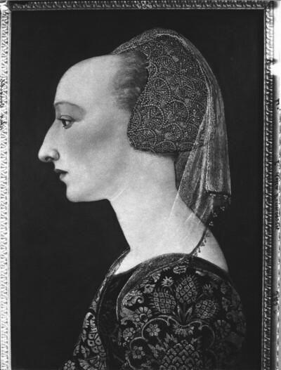 Kopf einer Frau im Profil