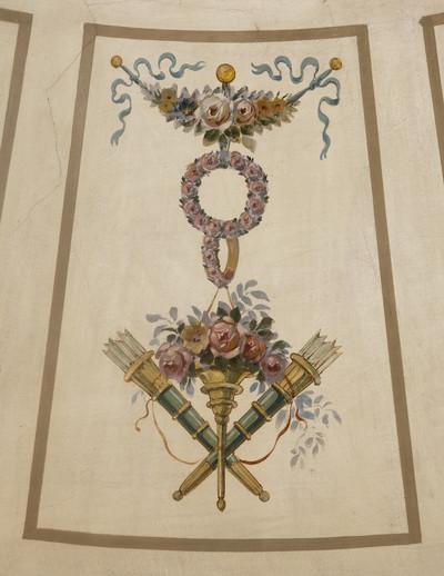Spätklassizistische Deckenmalerei — Embleme der Liebe — Rosen und Köcher mit Pfeilen
