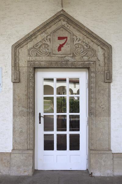 Portal Badehaus 7