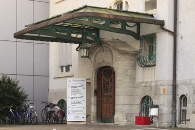 Marienhospital / Haus am Forellenteich — Portal, Darmstadt, Martinspfad 72