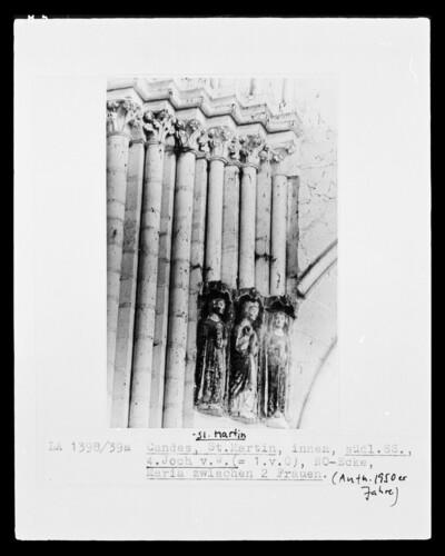 Maria zwischen zwei Frauen (Die drei Marien am Grab Christi?)