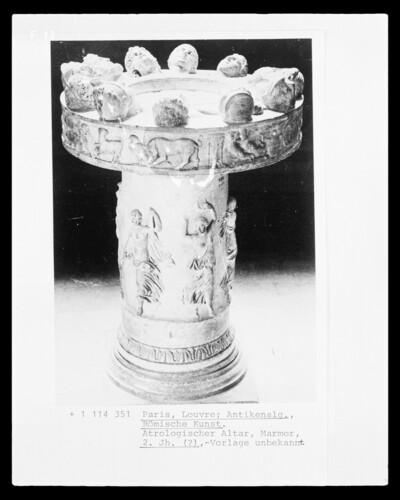 Altar mit Darstellung der Tierkreiszeichen und ihrer Personifikationen?