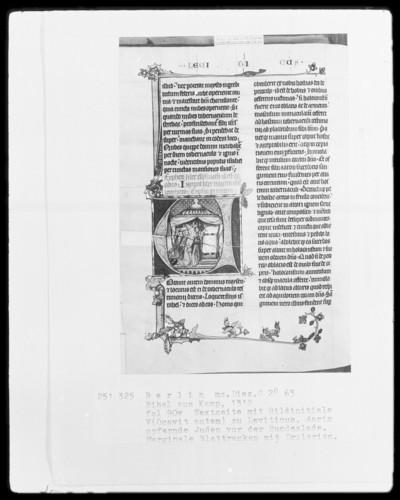 Camper Bibel, die zwei fragmentarisch erhaltenen Bände — Camper Bibel, Band 1 — Initiale V (ocavit autem dominus), darin opfernde Juden am Tabernakel, Folio 90verso