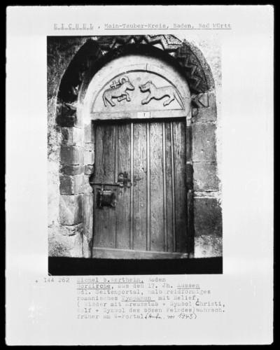 Nordportal mit Zackenfries, Agnus Dei und Wolf