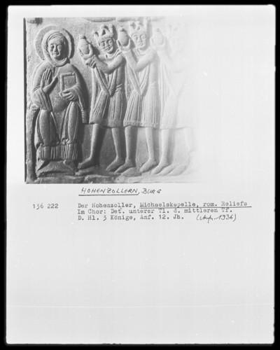 Der heilige Michael als Drachentöter, die heiligen drei Könige, die apokalyptische Madonna anbetend, und zwei Heilige