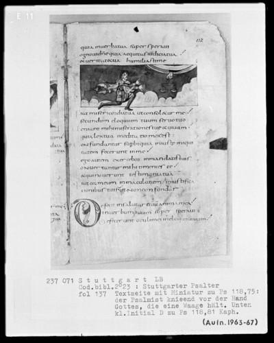 Der Stuttgarter Bibelpsalter — Vor der Hand Gottes mit einer ausgeglichenen Waage betet David, Folio 137recto