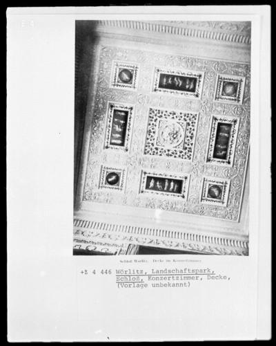 Deckendekoration mit Darstellungen zum Thema Musik und Tanz nach Vorbildern aus Pompeji und Herculaneum