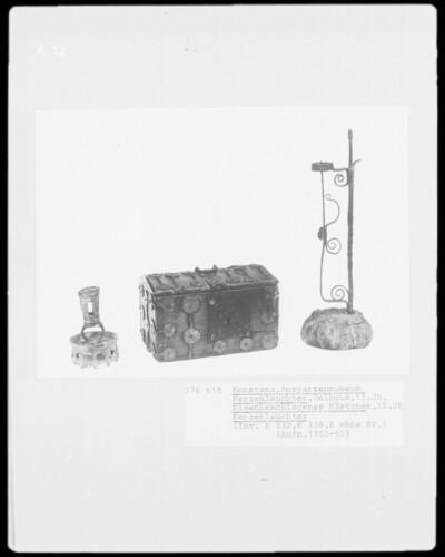 Kerzenleuchter (15. Jh), Kästchen (15. Jh.), Kerzenleuchter