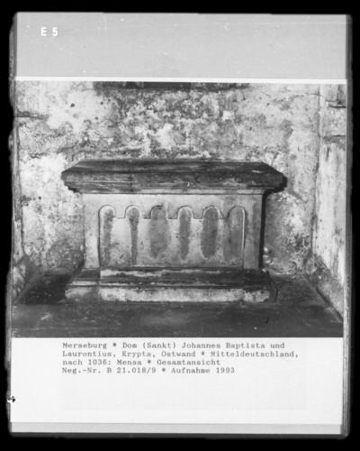 Altarmensa