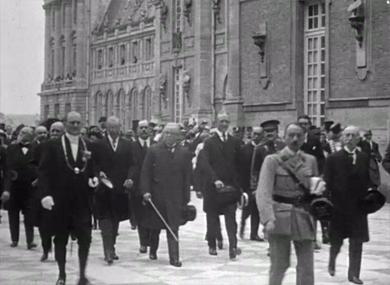 Défilé du 14 juillet à Paris ; Signature du traité de Versailles