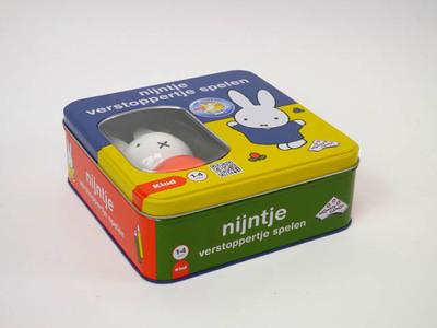 Nijntje verstoppertje spelen in blikken trommel. speelgoed van het jaar 2012 voor kinderen van 1 - 4 jaar