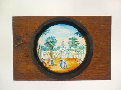 15 Toverlantaarnplaten behorende bij toverlantaarn S2013-0006. Handgeschilderde platen in eikenhouten frame met voorstellingen van vreemde landen