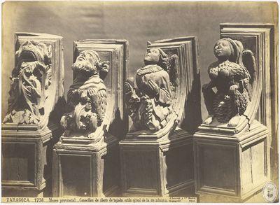 Zaragoza [Material gráfico] : 1738 : Museo provincial : Canecillos de alero de tejado, estilo ojival de la ex-aduana