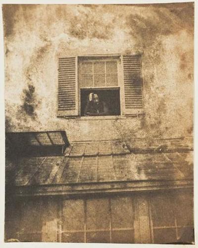 tirage photographique ; Auguste Vacquerie à sa fenêtre de Marine Terrace