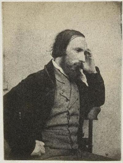 tirage photographique ; Autoportrait assis, profil droit, la main gauche à la tempe