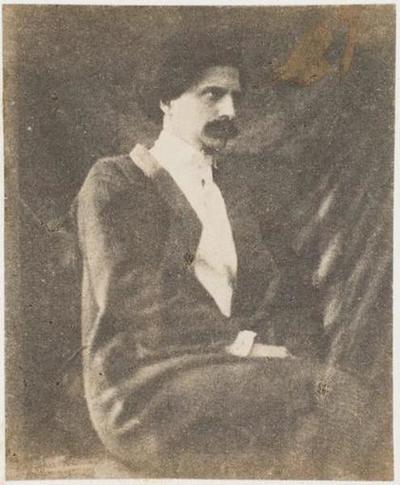 tirage photographique ; Charles Hugo assis, de profil