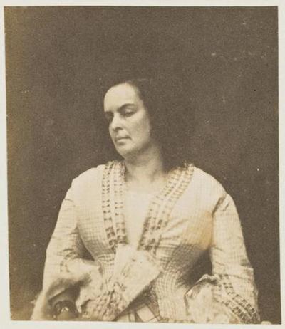 tirage photographique ; Madame Victor Hugo, un éventail à la main