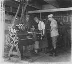 Sites et gens de l'île de Corfou. Atelier de réparation des voitures automobiles. Les machines-outils proviennent de l'Achilleion