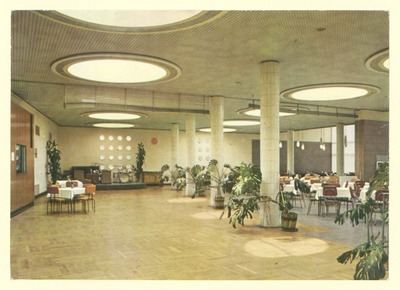 HO-Großgaststätten Tierpark Berlin, Festsaal -täglich Kaffeekonzert (3 Restaurants mit insgesamt 550 Plätzen)