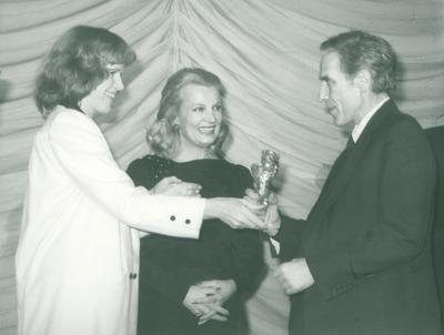 IFF 1984. Preisverleihung. Liv Ullmann, John Cassavetes, Gena Rowlands. Goldener Berliner Bär. Love Streams
