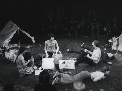 Ein Fest bei Papadakis: Serpil Simsek, Stefan Gossler, Dietrich Lehmann, Stefan Fredrich, Benita Rinne