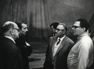 Montezuma, Roger Sessions, ganz links, Assistent Bauernfeind, Regie Gustav Rudolf Sellner, Dirigent Prof. Heinrich Hollreiser