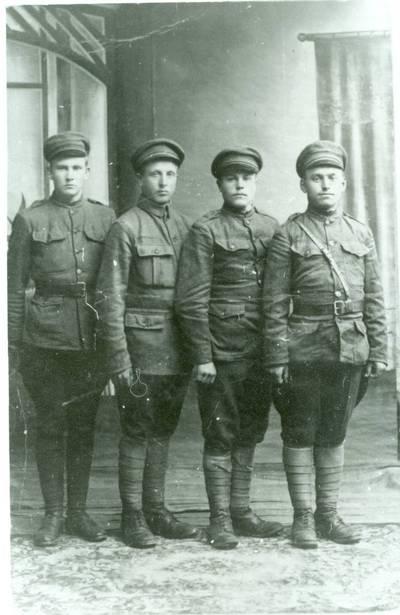 Nežinomas autorius. Lietuvos  kariuomenės savanoriai iš Marijampolės. 1919