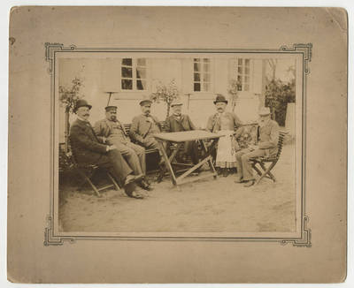 Nežinomas fotografas. Septynių žmonių grupė. 1900