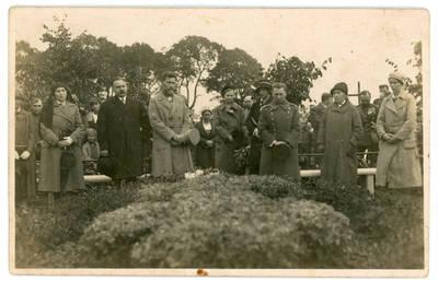 I. Rukas. Šauliai prie Vl. Putvinskio kapo Kelmėje 1932 metais. 1932-09-18