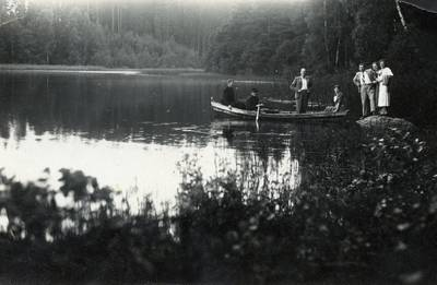 Nežinomas fotografas. Mačernių ir Korzų šeimyna prie Platelių ežero. 1938