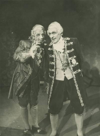 Kauno dramos teatro spektaklio nuotrauka. F. Šileris. KLASTA IR MEILĖ. 1948-10-06