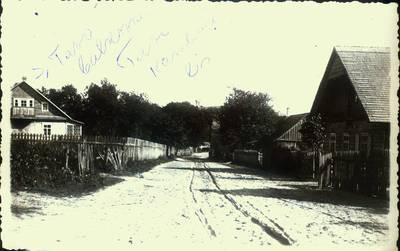 Fotografija.Giedraičių  miestelio Širvintų gatvė. 1928