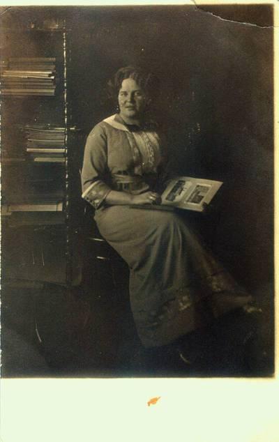 Fotografija. Marcelė Jaroševičienė. Giedraičiai. 1925