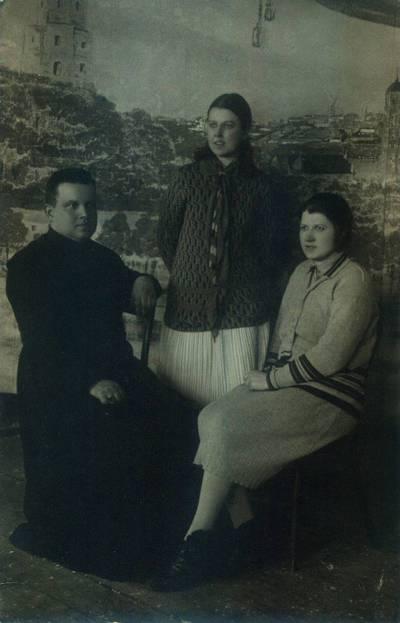 Fotografija. Malvina Valeikienė su Matilda Sabiene