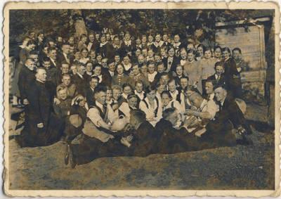 Nežinomas fotografas. Skiemonių angelaičiai ir pavasarininkai. 1938