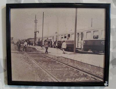 Fotografia: Plataforma de estação e carruagens Schindler