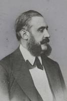 Franz Starnbacher. Mann mit Vollbart. Bruststück