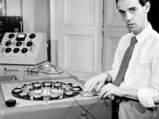 Petit guide musical à l'usage des fantômes mélomanes  ; 2 : La Maison de la radio