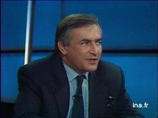 Enrique Baron-Crespo, président du parlement européen, Dominique Strauss Kahn, ministre de l'industrie et Sir Leon Brittan, vice président de la commision.